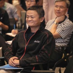 案例丨2019罗汉堂数字经济年会微媒提供现场弹幕提问技术支持 ...